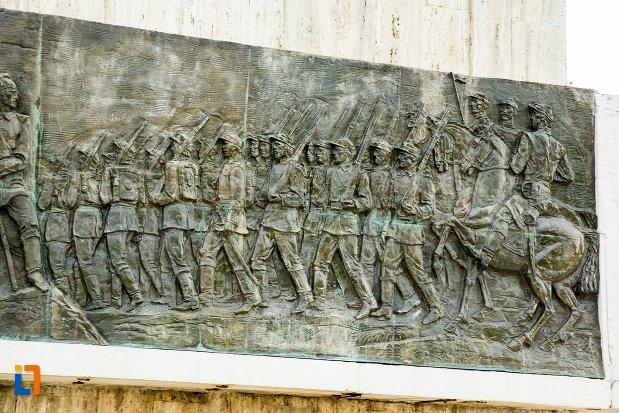 ostasi-comemorati-prin-monumentul-independentei-de-langa-corabia-judetul-olt.jpg