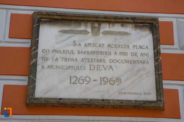 palatul-administrativ-azi-prefectura-si-consiliul-judetean-hunedoara-1890-din-deva-judetul-hunedoara-placuta-comemorativa.jpg