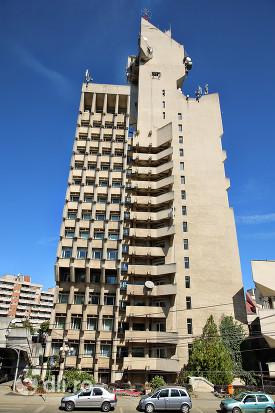 palatul-administrativ-satu-mare-vedere-turn-din-lateral-partea-spre-dig.jpg