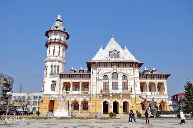 palatul-comunal-din-buzau.jpg