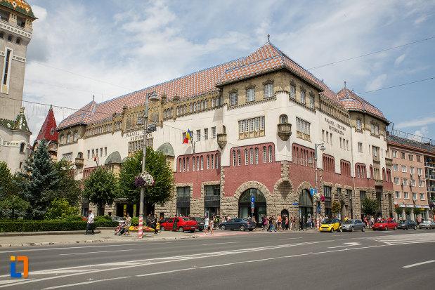palatul-culturii-filarmonica-biblioteca-si-muzeul-de-arta-din-targu-mures-judetul-mures-vazut-din-departare.jpg