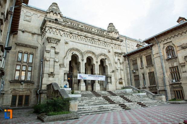 palatul-de-justitie-azi-rectoratul-universitatii-dunarea-de-jos-din-galati-judetul-galati.jpg