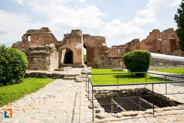 palatul-domnesc-ruine-palatul-petru-cercel-din-targoviste-judetul-dambovita.jpg