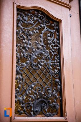 palatul-episcopal-din-timisoara-judetul-timis-decoratiune-din-fier-forjat.jpg