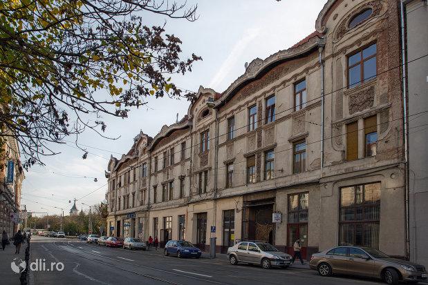 palatul-fuchsl-din-oradea-judetul-bihor-vazut-din-lateral.jpg
