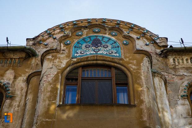 palatul-miksa-steiner-din-timisoara-judetul-timis-motiv-decorativ-albastru.jpg
