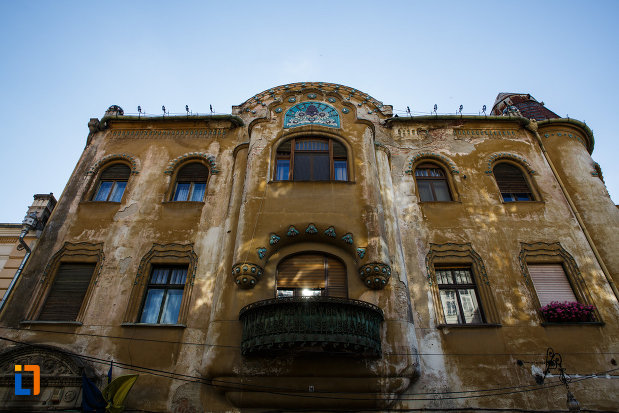 palatul-miksa-steiner-din-timisoara-judetul-timis-vazut-de-jos.jpg