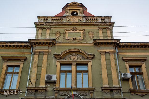 palatul-postelor-din-oradea-judetul-bihor.jpg