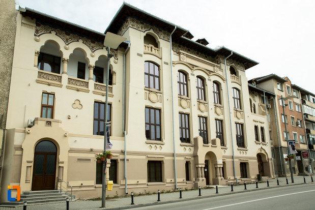palatul-ramiri-din-craiova-judetul-dolj.jpg