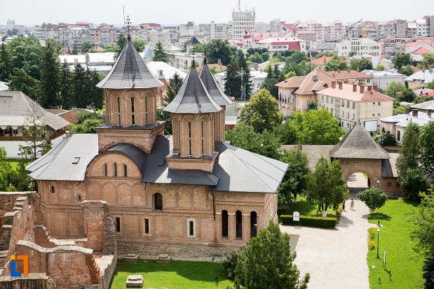 panorama-cu-biserica-domneasca-adormirea-maicii-domnului-din-targoviste-judetul-dambovita.jpg