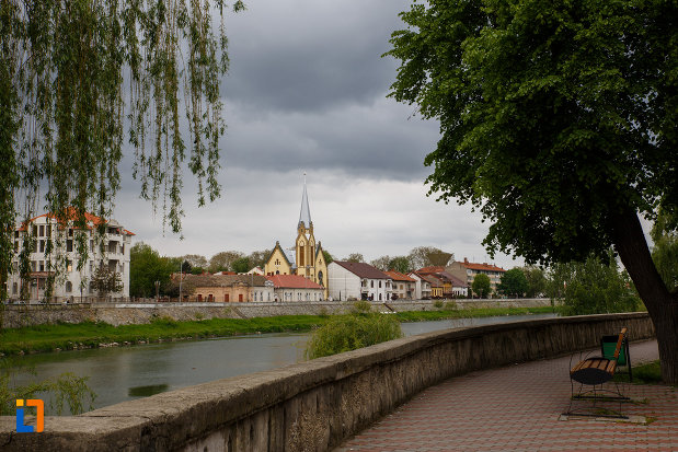 panorama-cu-biserica-reformata-din-lugoj-judetul-timis.jpg