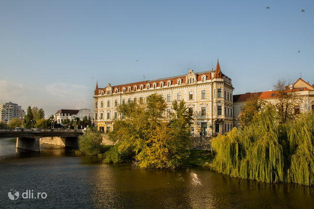 panorama-cu-casa-levay-din-oradea-judetul-bihor.jpg
