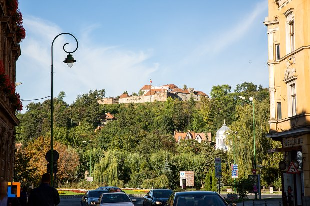 panorama-cu-cetatea-brasov-judetul-brasov.jpg