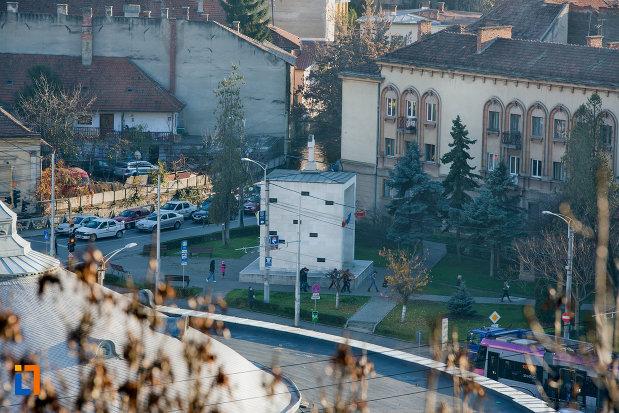 panorama-cu-monumentul-rezistentei-anticomuniste-din-cluj-napoca-judetul-cluj.jpg
