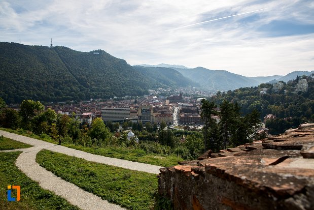 panorama-cu-orasul-brasov-judetul-brasov.jpg