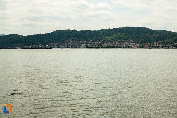 panorama-cu-orasul-orsova-judetul-mehedinti.jpg