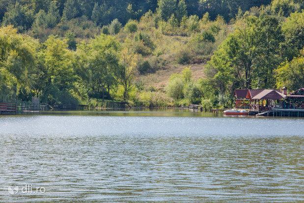 panorama-lacul-mujdeni-judetul-satu-mare.jpg