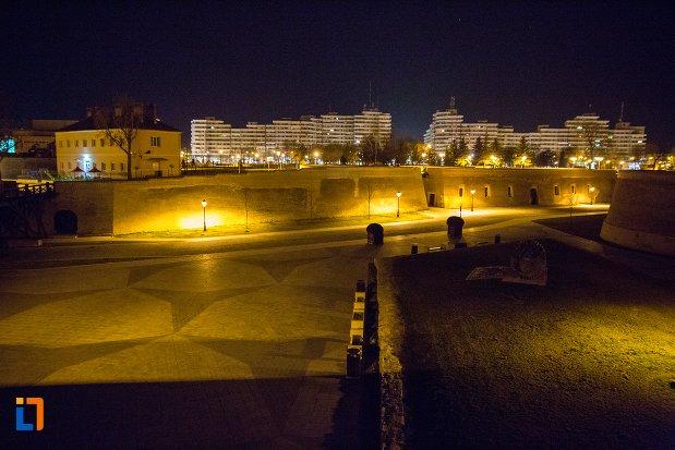 panorama-nocturna-cetatea-alba-carolina-din-alba-iulia-judetul-alba.jpg
