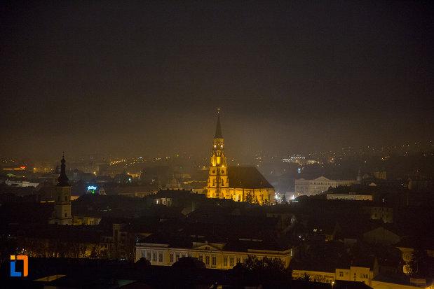 panorama-nocturna-cu-biserica-sfantul-mihail-din-cluj-napoca-judetul-cluj.jpg