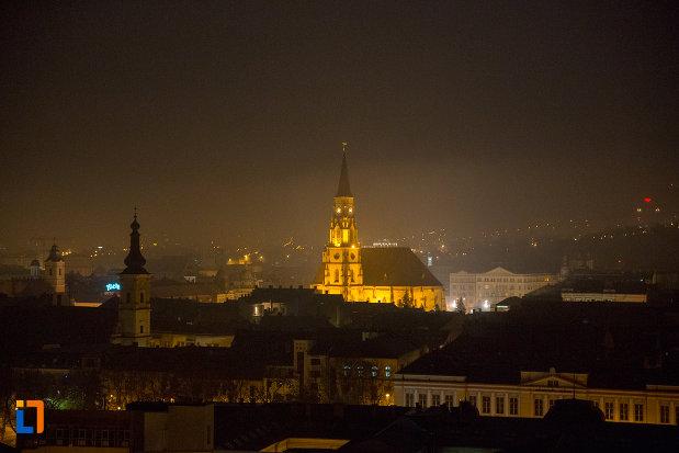 panorama-nocturna-cu-orasul-cluj-napoca-judetul-cluj.jpg