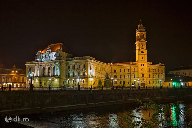 panorama-nocturna-cu-primaria-oradea-judetul-bihor.jpg