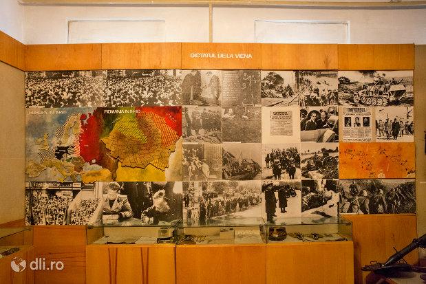 panou-comemorativ-muzeul-militar-din-oradea-judetul-bihor.jpg