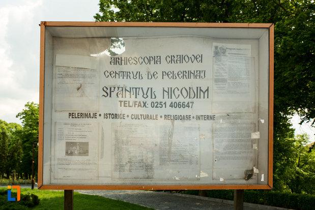 panou-informativ-din-catedrala-mitropolitana-sf-dimitrie-din-craiova-judetul-dolj.jpg
