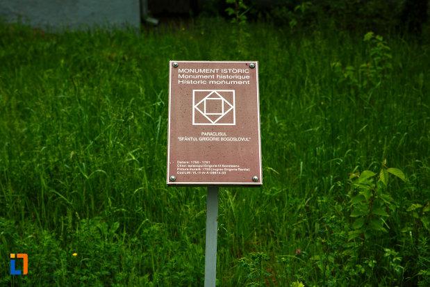 paraclisul-de-la-arhiepiscopia-ramnicului-din-ramnicu-valcea-judetul-valcea-monument-istoric.jpg