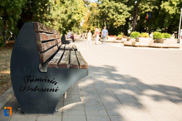 parc-din-orasul-botosani-judetul-botosani.jpg