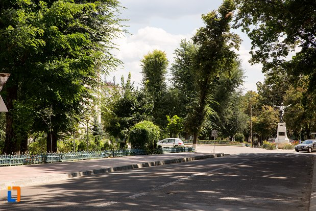 parc-din-orasul-dorohoi-judetul-botosani.jpg
