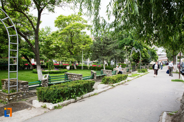 parc-din-orasul-moreni-judetul-dambovita.jpg
