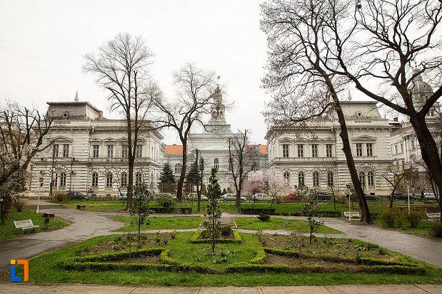 parc-langa-primaria-din-arad-judetul-arad.jpg