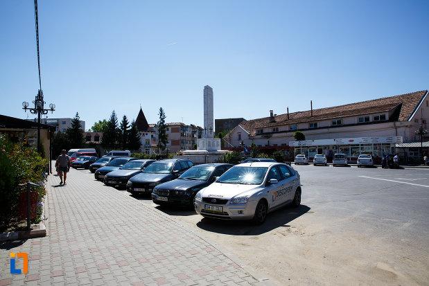 parcare-centrala-din-orasul-boldesti-scaeni-judetul-prahova.jpg