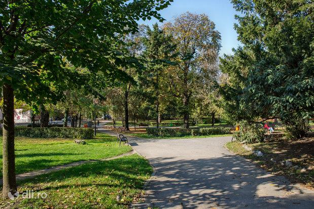 parcul-petofi-sandor-din-oradea-judetul-bihor.jpg