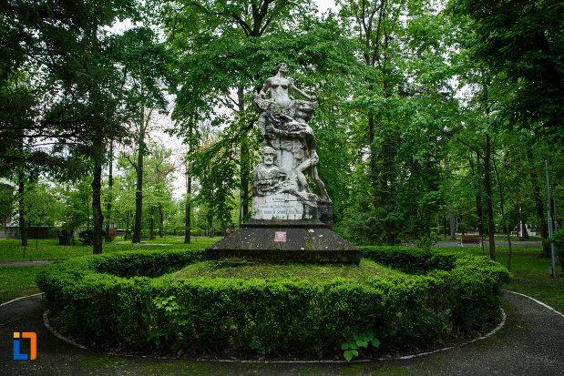 parcul-zavavoi-si-monumentul-lui-barbu-stirbei-din-ramnicu-valcea-judetul-valcea.jpg