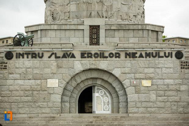 partea-centrala-de-la-mausoleul-eroilor-din-1916-1919-de-la-marasesti-judetul-vrancea.jpg