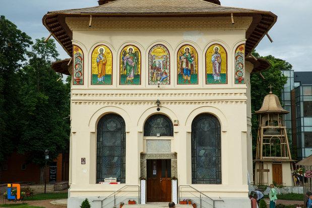 partea-de-jos-de-la-biserica-nasterea-sf-ioan-botezatorul-1664-din-focsani-judetul-vrancea.jpg
