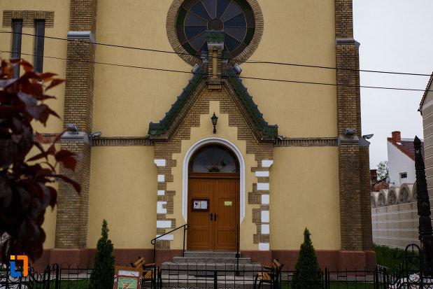 partea-de-jos-de-la-biserica-reformata-din-lugoj-judetul-timis.jpg