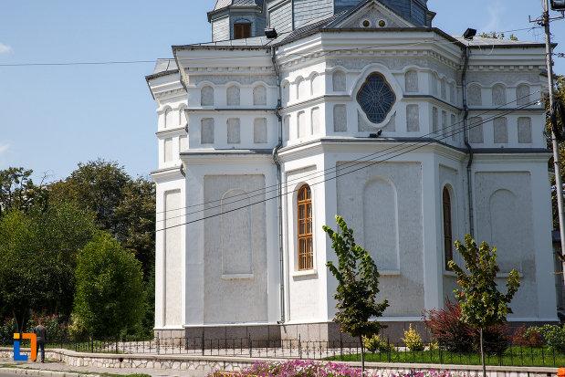 partea-de-jos-de-la-catedrala-sf-ierarh-nicolae-din-tulcea-judetul-tulcea.jpg