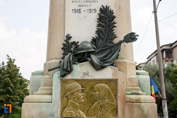partea-de-jos-de-la-monumentul-eroilor-din-rosiori-de-vede-judetul-teleorman.jpg
