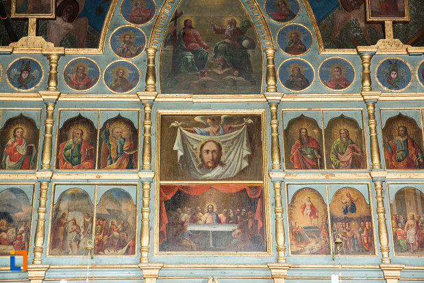 partea-de-sus-a-altarului-din-biserica-adormirea-maicii-domnului-din-draganesti-olt-judetul-olt.jpg