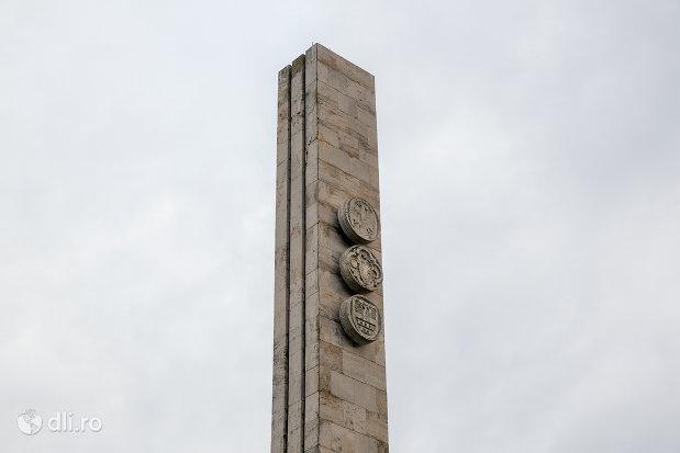 partea-de-sus-a-monumentului-mihai-viteazul-din-guruslau-judetul-salaj.jpg