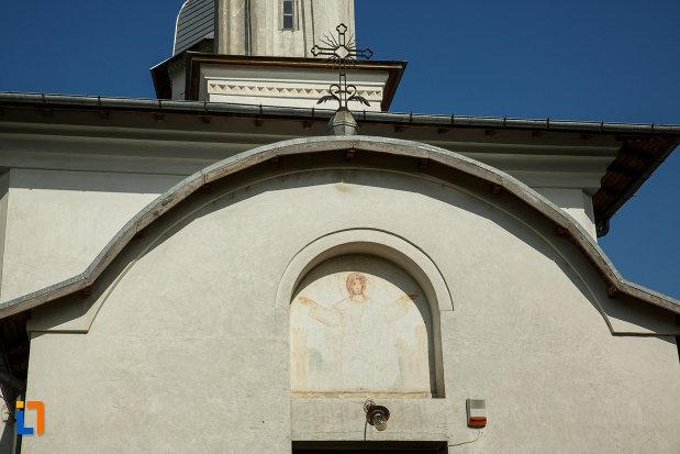 partea-de-sus-de-la-ansamblul-bisericii-sf-cruce-din-odobesti-judetul-vrancea.jpg