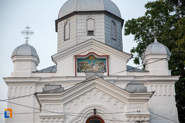 partea-de-sus-de-la-biserica-adormirea-maicii-domnului-din-alexandria.jpg