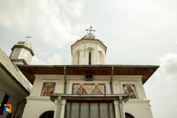 partea-de-sus-de-la-biserica-sf-arhangheli-din-slatina-judetul-olt.jpg