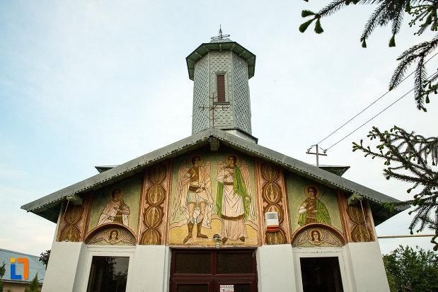 partea-de-sus-de-la-biserica-sf-arhangheli-mihail-si-gavril-din-draganesti-olt-judetul-olt.jpg