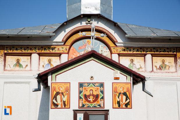partea-de-sus-de-la-biserica-sf-gheorghe-1863-din-fierbinti-targ-judetul-ialomita.jpg