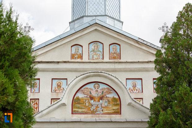 partea-de-sus-de-la-biserica-sf-vineri-si-cuvioasa-paraschiva-din-alexandria-judetul-teleorman.jpg