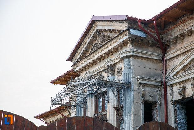 partea-de-sus-de-la-casa-teodor-marinescu-din-alexandria-judetul-teleorman.jpg