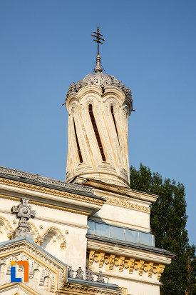 partea-de-sus-de-la-catedrala-ortodoxa-sf-haralambie-din-turnu-magurele-judetul-teleorman.jpg